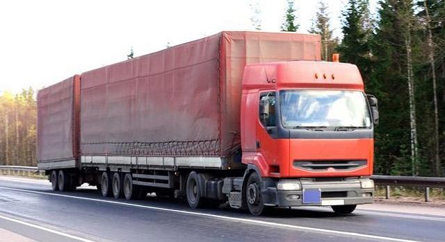 48χρονος οδηγός εξέπνευσε μέσα στο φορτηγό του στην Εθνική Οδό
