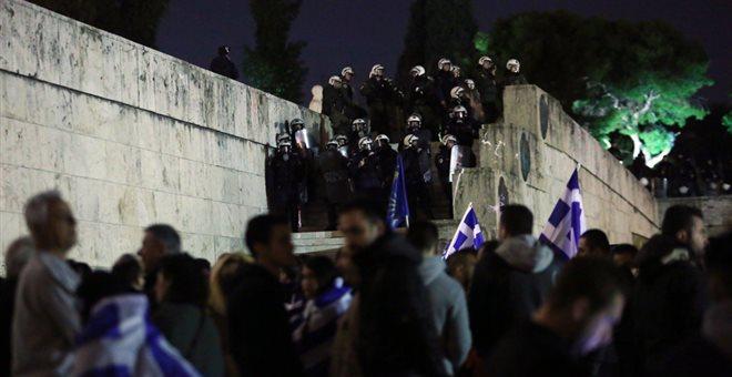 Σε εξέλιξη τα συλλαλητήρια για Συμφωνία των Πρεσπών. Προσαγωγές υπόπτων