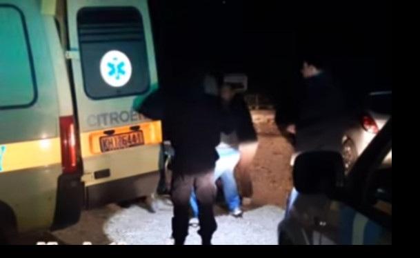 Επιχείρηση διάσωσης άστεγου άνδρα στην Κύμη: Βρέθηκε εξαθλιωμένος, ψέλλιζε «λίγο νερό» [εικόνες]