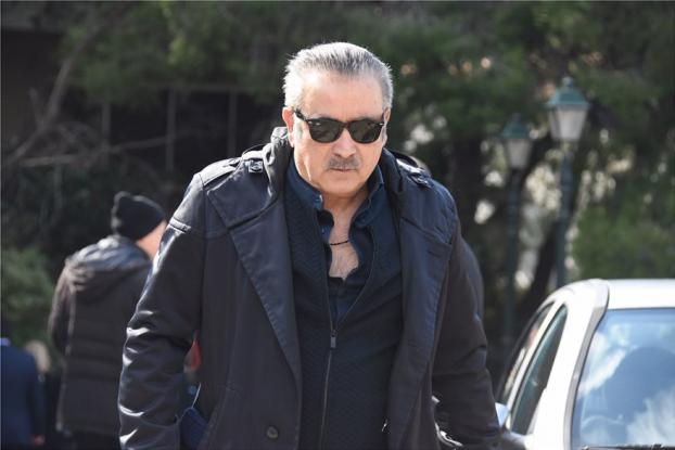 Συγκλονισμένος ο Λάκης Λαζόπουλος στην κηδεία του Θέμου Αναστασιάδη