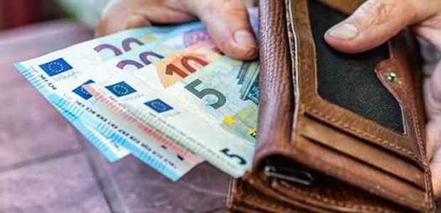 Οι αλλαγές στον κατώτατο μισθό: Ποιοι και πόσα χρήματα θα πάρουν από 1η Φεβρουαρίου