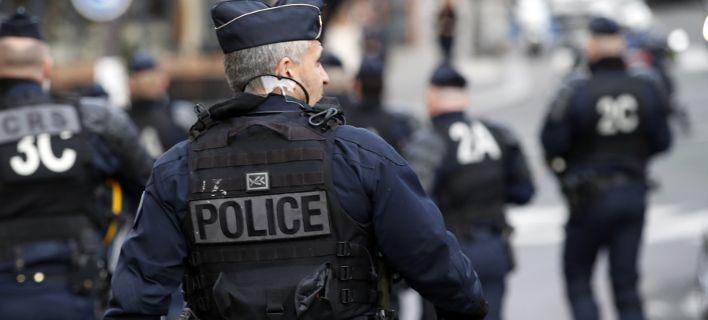 Γαλλία: Καταδρομική επίθεση ενόπλων κατά τη μεταγωγή κρατουμένου. Γάζωσαν το όχημα, πήραν τον κρατούμενο