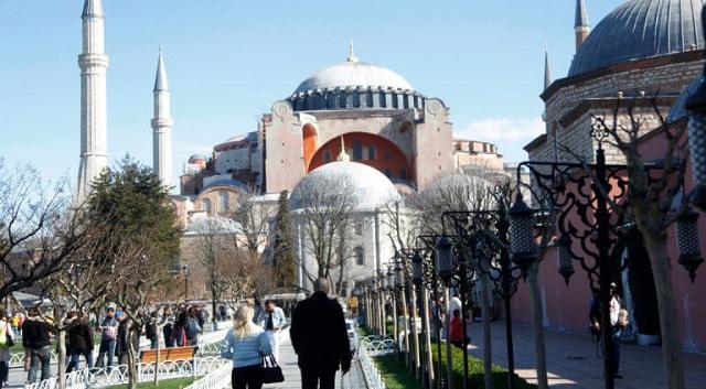 Θέλουν την Αγία Σοφία τζαμί: Διαδήλωση από φανατικούς την Παρασκευή