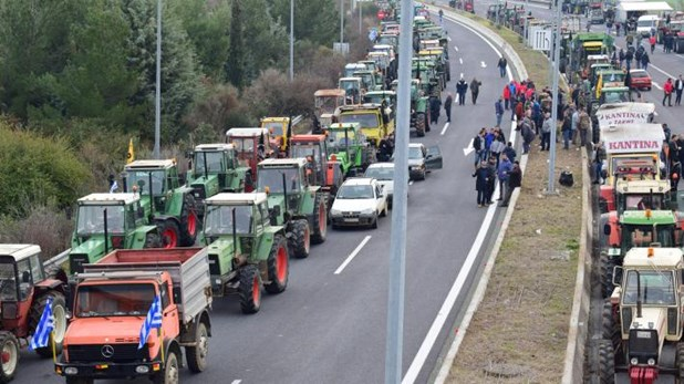 Σε δίκη παραπέμπονται Θεσσαλοί αγρότες για τα μπλόκα