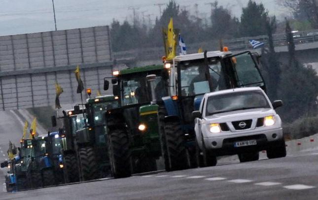 Συλλαλητήριο με τρακτέρ ετοιμάζουν αύριο οι αγρότες από το μπλόκο της Νίκαιας