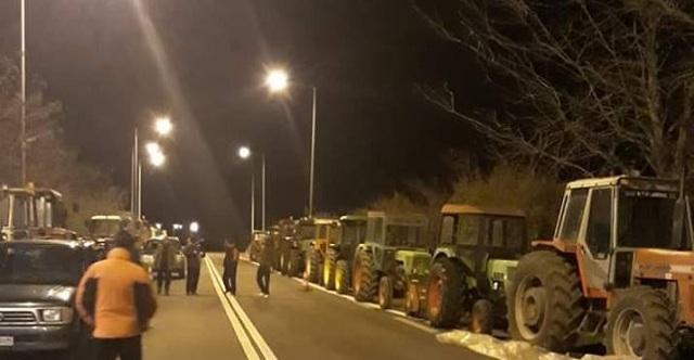 Συλλαλητήριο με αγροτικά μηχανήματα στον Βόλο