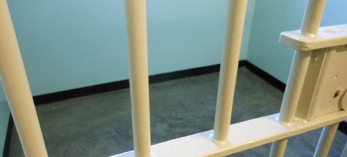 Βρετανία: Eξι χρόνια κάθειρξης σε 23χρονο για νεκροφιλία