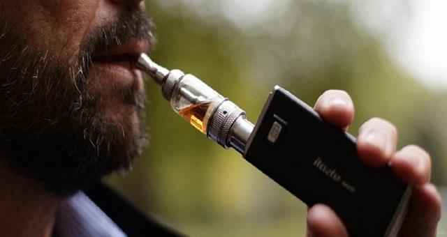 Ερευνα: Οι δύο όψεις του ηλεκτρονικού τσιγάρου