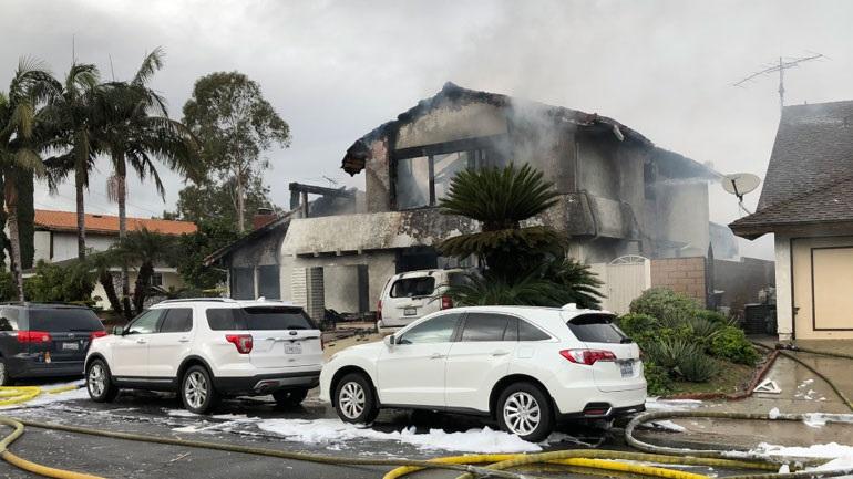 Πέντε νεκροί στην Καλιφόρνια από συντριβή αεροσκάφους σε σπίτι