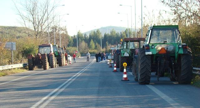 Κυκλοφοριακές ρυθμίσεις στη Θεσσαλία λόγω μπλόκων