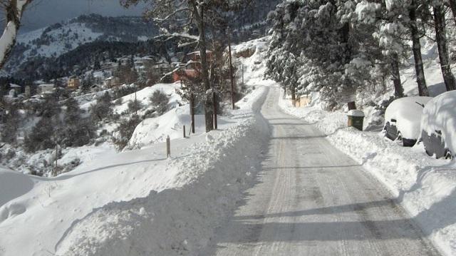 Έντονη χιονόπτωση στα ορεινά των Τρικάλων