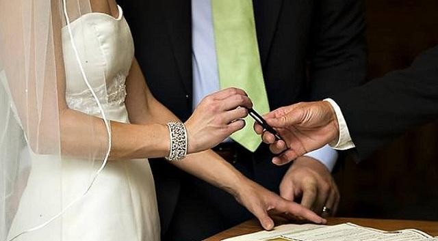 Ο πιο σύντομος γάμος: Ζευγάρι χώρισε μετά από... τρία λεπτά