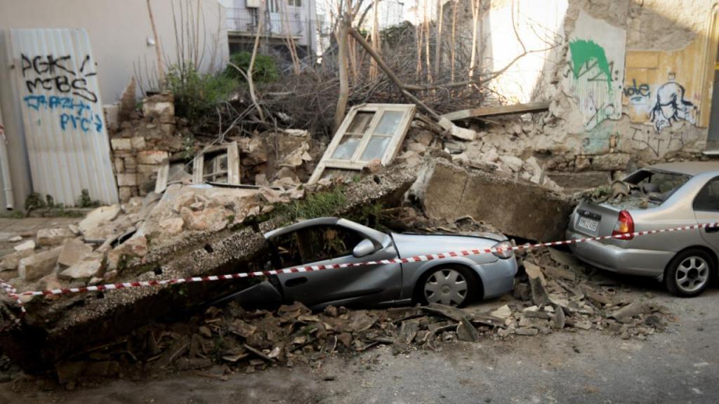 Τσελέντης: Εκατοντάδες κτίρια στην Αθήνα είναι έτοιμα να γκρεμιστούν
