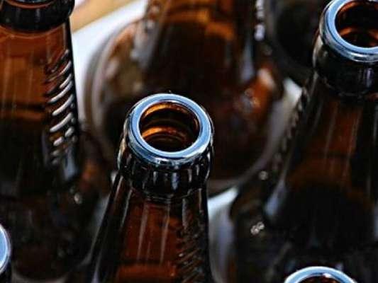 Ινδία: Περισσότεροι από 100 άνθρωποι πέθαναν αφού κατανάλωσαν νοθευμένο αλκοόλ