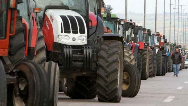 Απόβαση... αγροτών Πηλίου και Αερινού με τα τρακτέρ στον Βόλο
