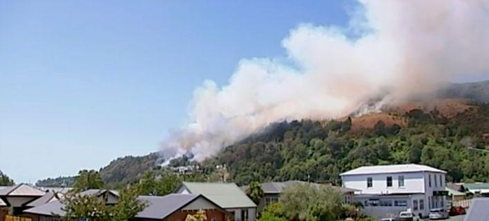 Νέα Ζηλανδία: Τεράστια δασική πυρκαγιά μαίνεται επί μία εβδομάδα [εικόνες]