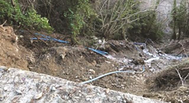 Χάνονται μεγάλες ποσότητες πηγαίου νερού από πηγές της Κουκουράβας