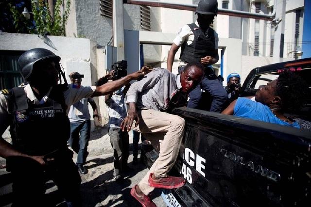 Η μεγάλη… απόδραση στην Αϊτή: 78 κρατούμενοι δραπέτευσαν από φυλακή