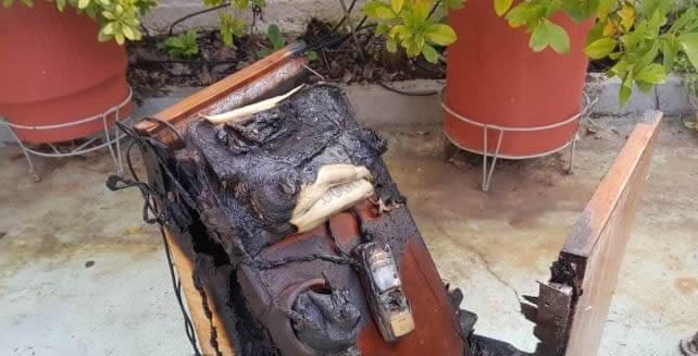 Φωτιά σε σπίτι από κινητό τηλέφωνο [εικόνες]