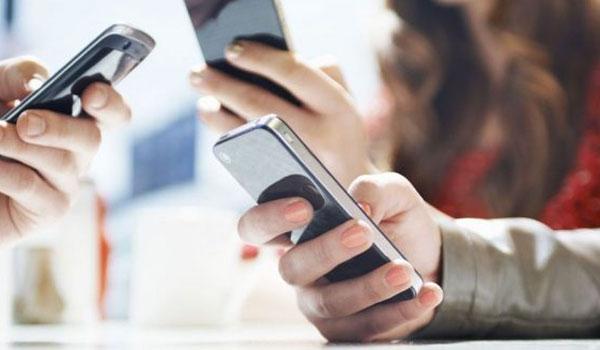 Κινητά τηλέφωνα: Τέλος στις υπερβολικές χρεώσεις - Σε ποιες χώρες θα καλείτε πλέον χωρίς χρέωση