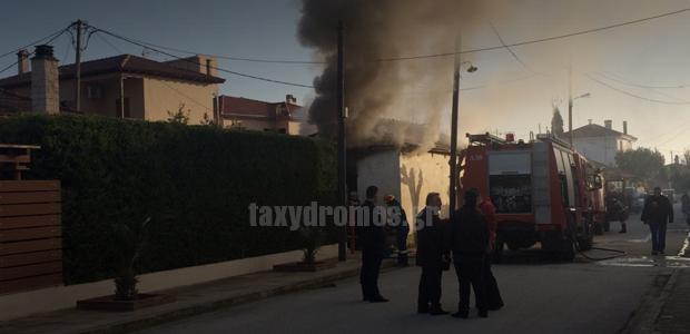 Φωτιά σε σπίτι στην Αγριά με έναν ηλικιωμένο τραυματία
