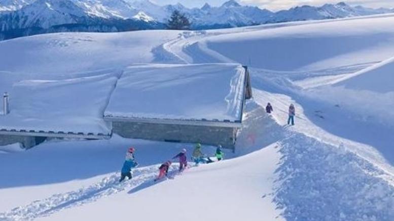 Χιονοστιβάδα παρέσυρε τουλάχιστον 10 σκιέρ στο Κραν Μοντανά