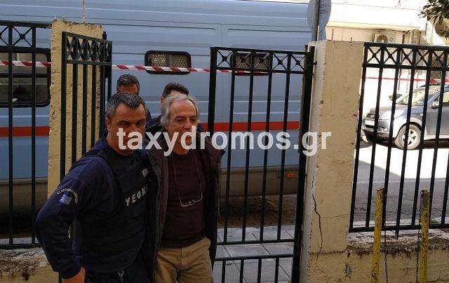 Υπό δρακόντεια μέτρα ασφαλείας ο Κουφοντίνας στα Δικαστήρια Βόλου