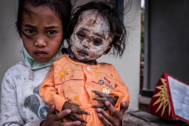 Το χωριό των ζωντανών νεκρών – Δεν γίνονται κηδείες & τα πτώματα κυκλοφορούν στους δρόμους