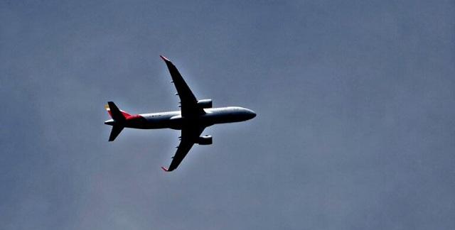 Πανικός σε πτήση Αθήνα–Λήμνος: Πήραν λιπόθυμους επιβάτες