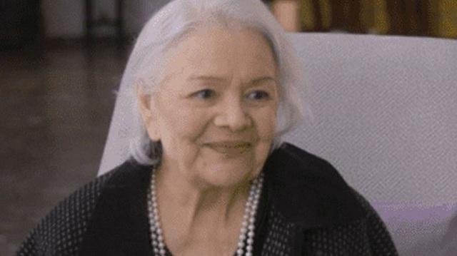 Λύγισε η Μαίρη Λίντα on camera μέσα από το γηροκομείο Αθηνών