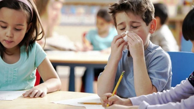 Υπουργείο Παιδείας: Διευκρινίσεις για τις απουσίες των μαθητών λόγω της γρίπης