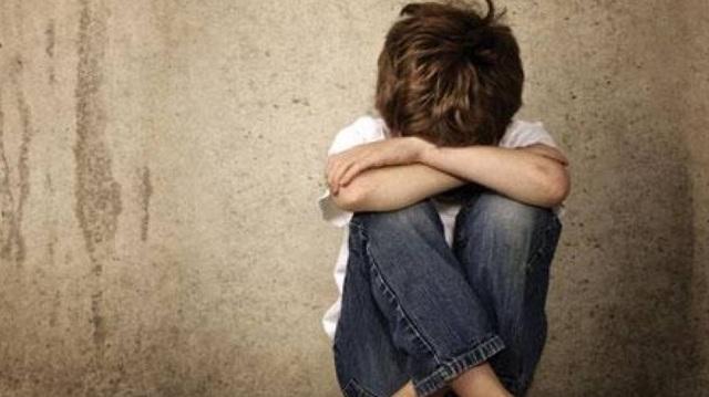 Στο «σκαμνί» γιατρός για σεξουαλική κακοποίηση του γιου της συντρόφου του
