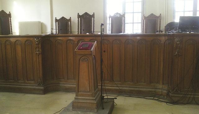 «Ορμηξε» σε δικηγόρο στη διάρκεια δίκης στο Τριμελές Βόλου!