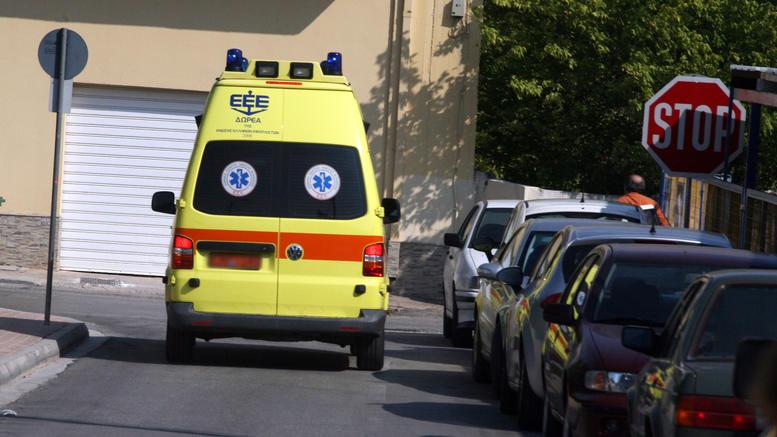Γυναίκα έπεσε από τον 3o όροφο πολυκατοικίας στις Συκιές