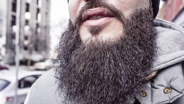 Μουσουλμάνος έχασε τα επιδόματα γιατί αρνήθηκε να ξυρίσει τη γενειάδα του