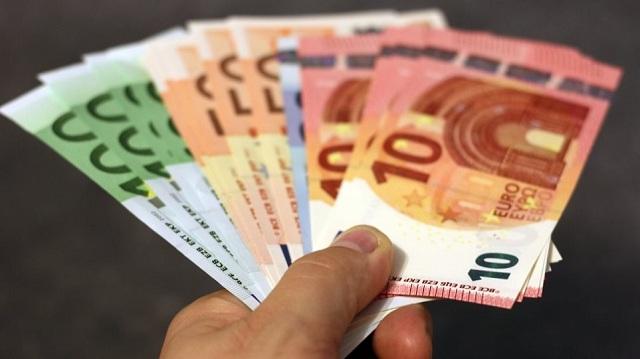 Κούριερ υπεξαίρεσε 11.500 ευρώ από πληρωμές πελατών με αντικαταβολή