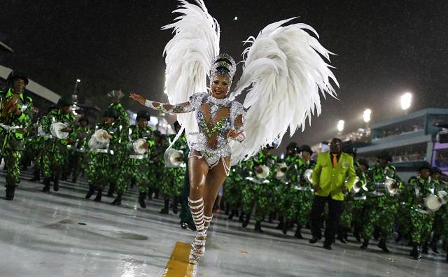 Η καρδιά του Καρναβαλιού «χτυπά» στο Ρίο ντε Τζανέιρο