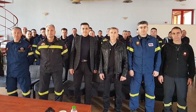 Ενημέρωση του προσωπικού της 8ης ΕΜΑΚ και του 3ου Πυροσβεστικού Σταθμού Λάρισας