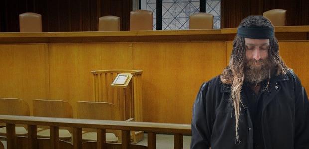 Ο Ανδρέας Γιακουμάκης στο εδώλιο. Ξεκινά η δίκη του