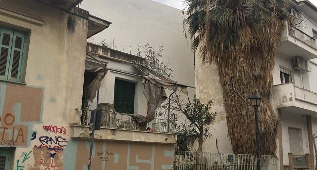 Εστία μόλυνσης και παραβατικότητας σπίτι στην «καρδιά» του Βόλου