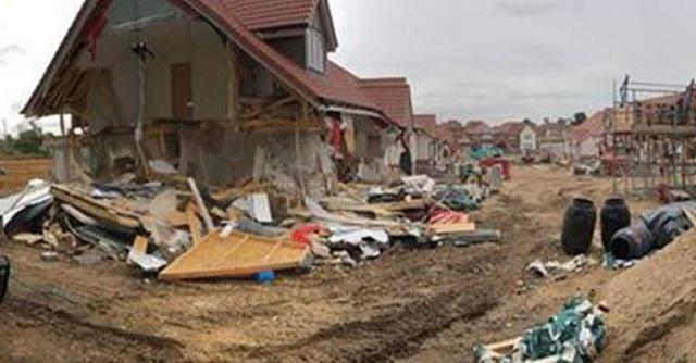Οικοδόμος γκρέμισε σπίτια επειδή του χρωστούσαν μισθούς: Τι είπε στο δικαστήριο