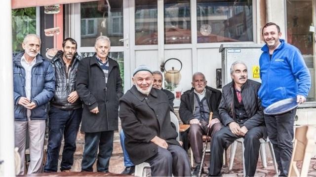 Ένας μυστηριώδης φιλάνθρωπος μοιράζει χρήματα στην Κωνσταντινούπολη