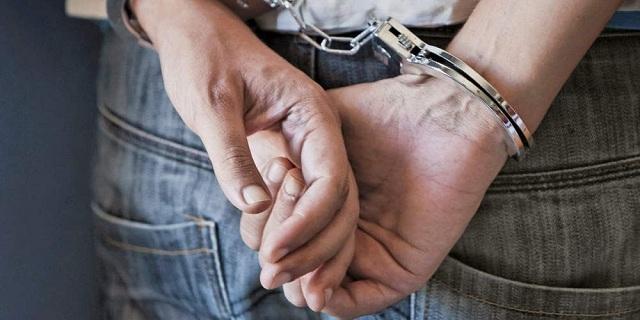 Σύλληψη δημοτικού υπαλλήλου για «φακελάκι» και εκβίαση
