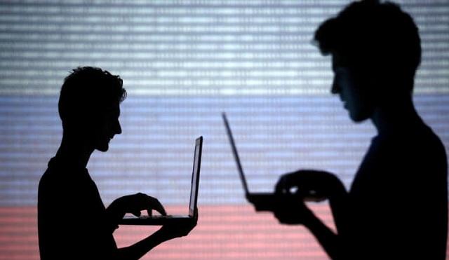 Συναγερμός στη Google: Στο έλεος των χάκερ τα αρχεία εκατομμυρίων χρηστών