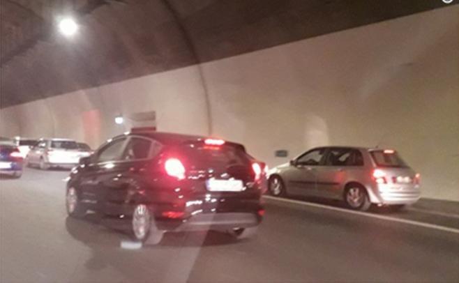Εικόνες ντροπής: Ασυνείδητοι οδηγοί έκαναν κατάληψη στη ΛΕΑ