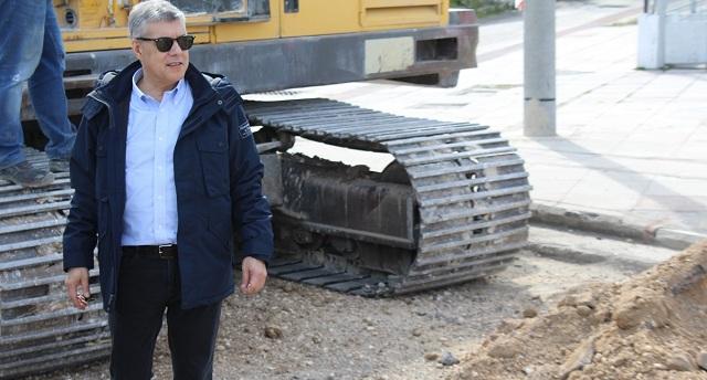 Ανάπλαση των πεζοδρομίων της οδού Ελευθερίας στη Ν. Αγχίαλο