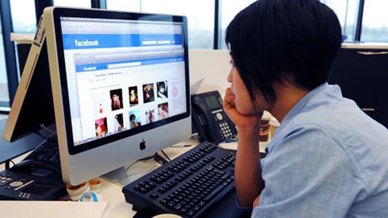 «Έπεσαν» Facebook και Instagram: Προβλήματα σε πολλές χώρες