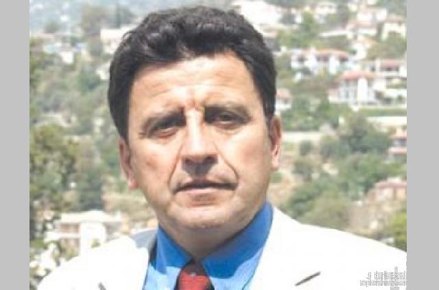 Υποψήφιος Ευρωβουλευτής με το ΑΚΚΕΛ ο Πάρις Μουτσινάς