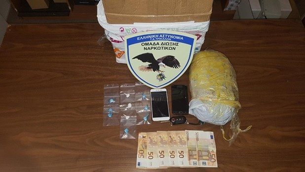 Δέμα ταχυμεταφορών περιείχε κάνναβη και κοκαΐνη: Δύο συλλήψεις στα Τρίκαλα