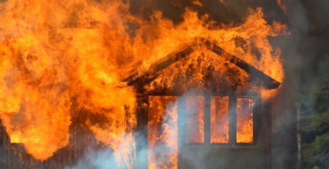 Ηλικιωμένος κάηκε ζωντανός μέσα στο σπίτι του στα Γρεβενά